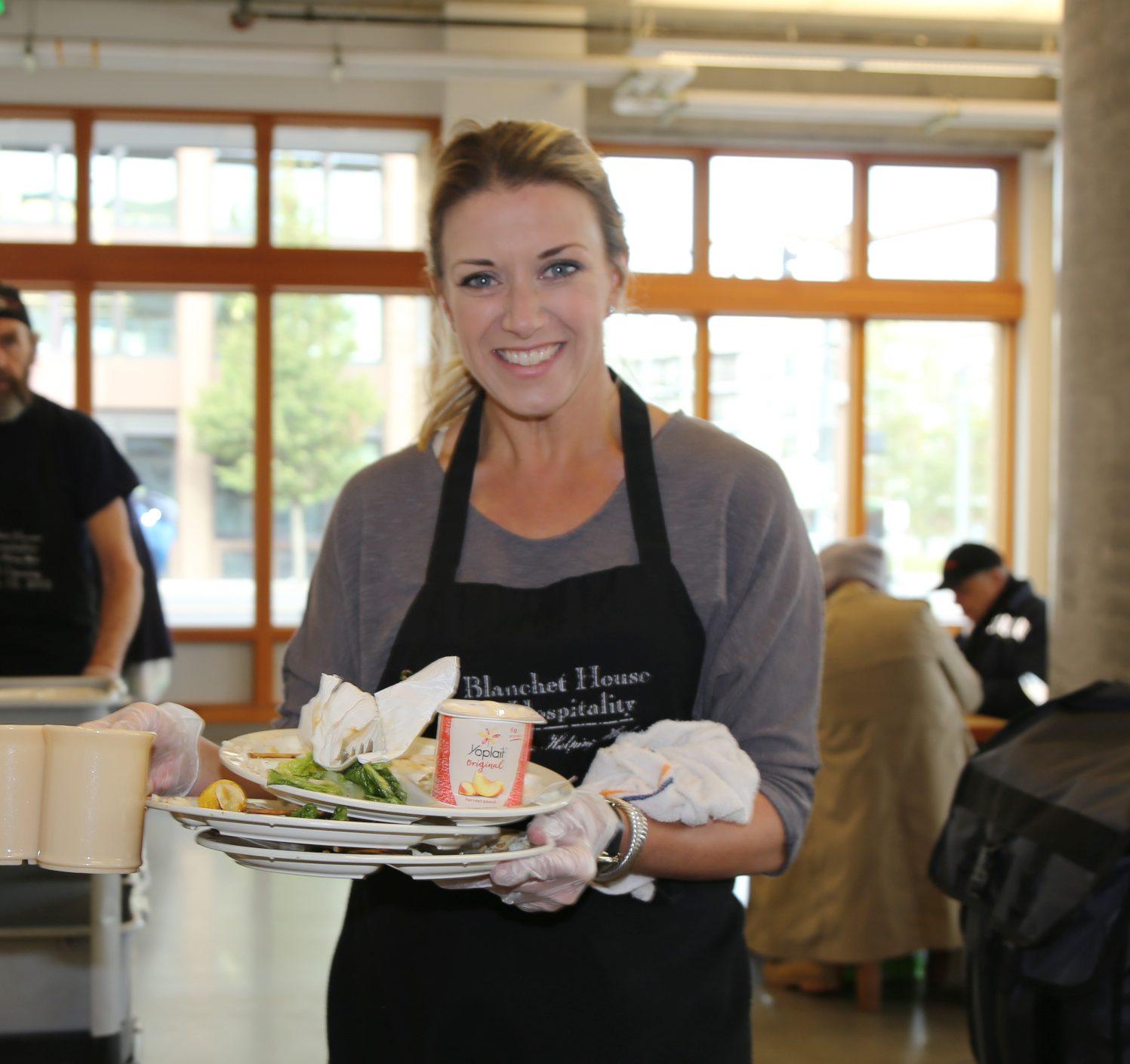 Emily Harrington Volunteering_Credit Julie Showers
