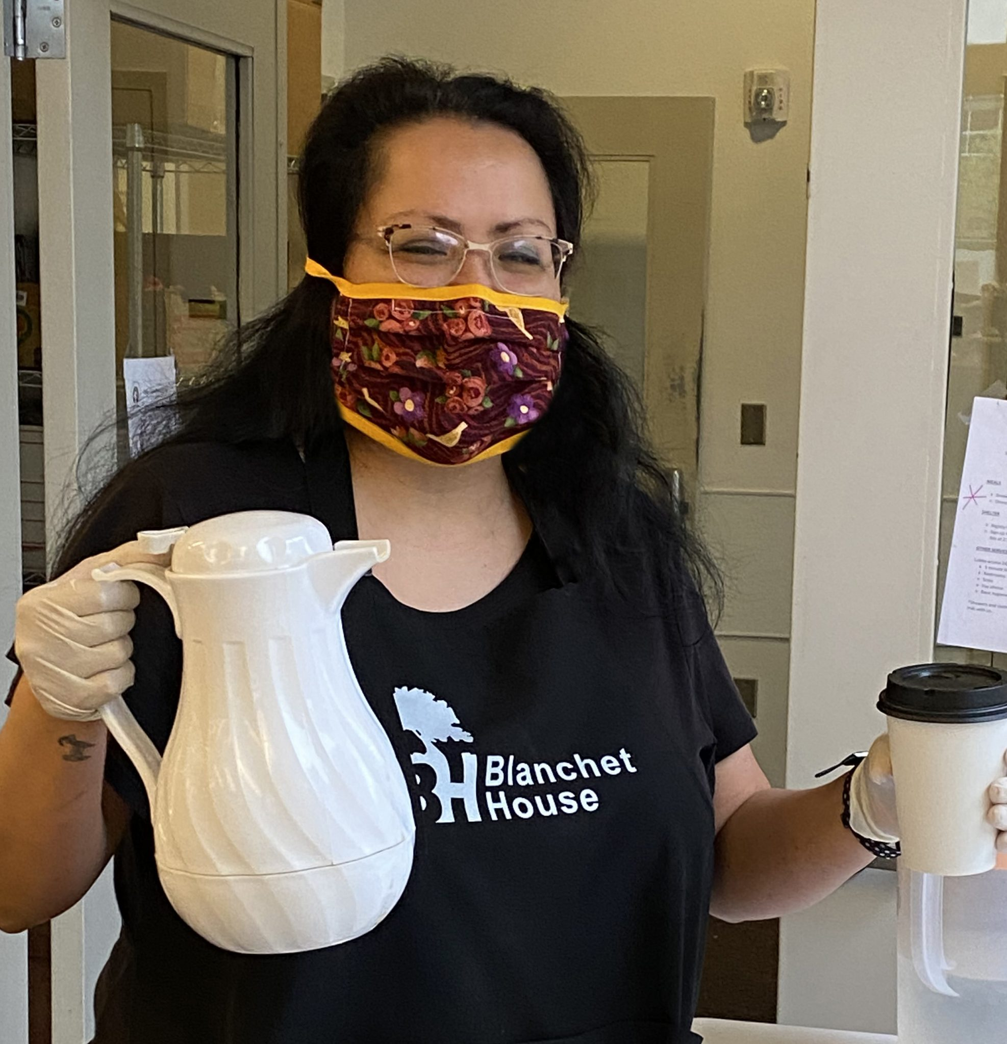 Stacee Scott Volunteers at Blanchet House during COVID19 pandemic
