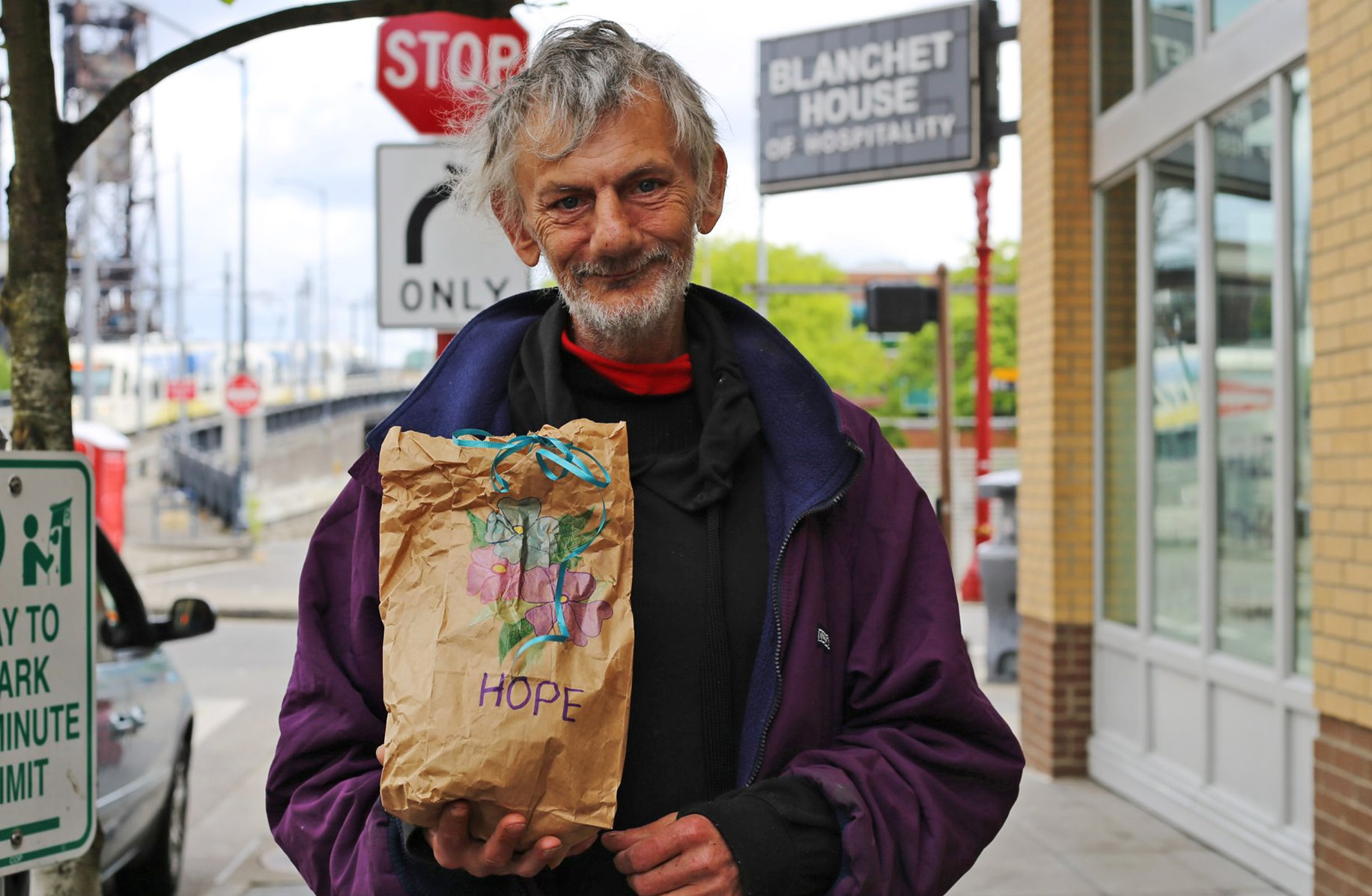 Homeless Guest Sack Lunch Homeless Portland Blanchet House creditJulieShowers